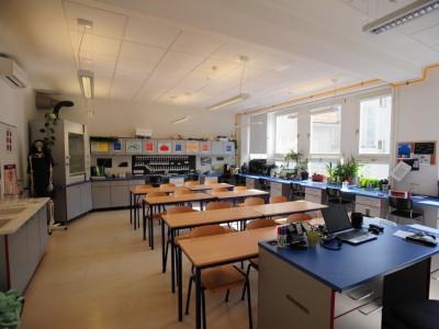 Senior High Science Lab